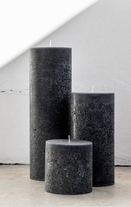 CANDLE KIOSK TEXTURED PILLAR CANDLE GREY